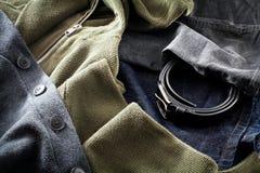μπλούζες ατόμων s τζιν ζωνών Στοκ Εικόνα