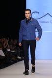 Μπορέστε στενός διάδρομος Yunus Cetinkaya στην εβδομάδα Ιστανμπούλ μόδας της Mercedes-Benz Στοκ Εικόνα