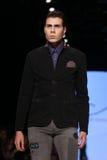 Μπορέστε στενός διάδρομος Yunus Cetinkaya στην εβδομάδα Istanb μόδας της Mercedes-Benz Στοκ Εικόνες