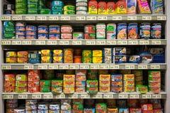 Μπορέστε τρόφιμα ράφια Στοκ Φωτογραφίες