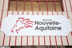 Μπορντώ, νουβέλα Aquitaine/Γαλλία - 16 06 2018 το νέο λογότυπο και η γραφική εικόνα χαρτών από το aqutaine νουβελών περιοχών στοκ φωτογραφία με δικαίωμα ελεύθερης χρήσης