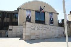 Μπορντώ, νουβέλα aquitaine/Γαλλία - 09 02 2018: Το Ecole nationale de Λα magistrature στο Μπορντώ Γαλλία σημαίνει μόνο υψηλό τον  στοκ φωτογραφίες με δικαίωμα ελεύθερης χρήσης