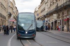 Μπορντώ, Aquitaine/Γαλλία - 06 11 2018: Σύγχρονο τραμ στην πόλη του Μπορντώ στοκ εικόνες