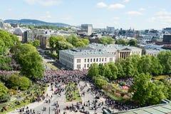 17 μπορούν τοπ άποψη εορτασμού του Όσλο Νορβηγία σχετικά με την οδό Στοκ εικόνες με δικαίωμα ελεύθερης χρήσης