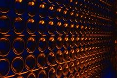 Μπουκάλια CHAMPAGNE στο κελάρι στοκ φωτογραφία
