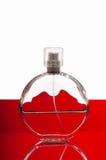 μπουκάλι ανασκόπησης που απομονώνεται πέρα από το λευκό αρώματος Στοκ εικόνες με δικαίωμα ελεύθερης χρήσης