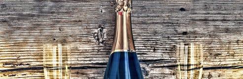 Μπουκάλι και goblets CHAMPAGNE Στοκ φωτογραφία με δικαίωμα ελεύθερης χρήσης