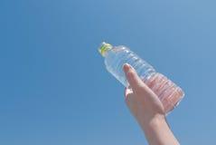 Μπουκάλι νερό Στοκ εικόνα με δικαίωμα ελεύθερης χρήσης