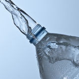 Μπουκάλι νερό στοκ φωτογραφία με δικαίωμα ελεύθερης χρήσης