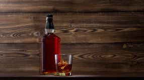 Μπουκάλι του ουίσκυ Στοκ φωτογραφία με δικαίωμα ελεύθερης χρήσης
