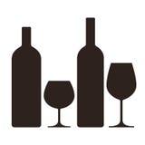 Μπουκάλια και γυαλιά του οινοπνεύματος απεικόνιση αποθεμάτων
