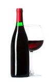 Μπουκάλι και ένα γυαλί που γεμίζουν με το κρασί Στοκ φωτογραφίες με δικαίωμα ελεύθερης χρήσης