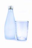 Μπουκάλι και γυαλί Στοκ φωτογραφίες με δικαίωμα ελεύθερης χρήσης