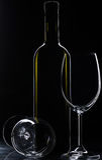 Μπουκάλι και γυαλιά κρασιού Στοκ Φωτογραφία