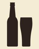 Μπουκάλι και ποτήρι της μπύρας Στοκ Εικόνες
