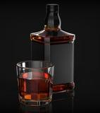 Μπουκάλι και ποτήρι του ουίσκυ Στοκ εικόνα με δικαίωμα ελεύθερης χρήσης