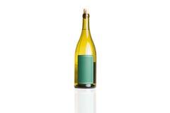 Μπουκάλι κρασιού στο λευκό Στοκ φωτογραφία με δικαίωμα ελεύθερης χρήσης
