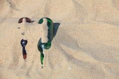 Μπουκάλι στην άμμο παραλιών Στοκ Φωτογραφία
