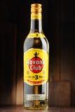 Μπουκάλι του άσπρου ρουμιού λεσχών της Αβάνας στοκ εικόνες με δικαίωμα ελεύθερης χρήσης