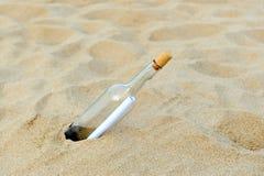 μπουκαλιών ερχόμενο εννοιών ταξίδι τουρισμού μηνυμάτων ωκεάνιο Στοκ Εικόνα