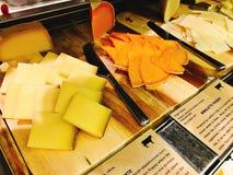 Μπουφές τυριών ποικιλίας του ξενοδοχείου Στοκ εικόνες με δικαίωμα ελεύθερης χρήσης