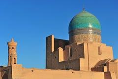 Μπουχάρα: Μουσουλμανικό τέμενος και μιναρές Kalyan στο ηλιοβασίλεμα στοκ εικόνα με δικαίωμα ελεύθερης χρήσης
