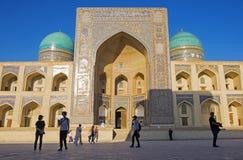 Μπουχάρα, Ουζμπεκιστάν - 30 Απριλίου 2019 - POI Kalan - ισλαμικός θρησκευτικός ένας σύνθετος που βρίσκεται γύρω από το μιναρές Ka στοκ φωτογραφία με δικαίωμα ελεύθερης χρήσης