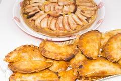Μπουλέττες και πίτες μήλων Στοκ Φωτογραφία