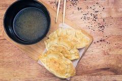 Μπουλέττες Gyoza δημοφιλή ιαπωνικά τρόφιμα στοκ φωτογραφίες