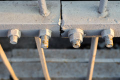 Μπουλόνια στους παλαιούς φραγμούς χάλυβα Στοκ Εικόνα