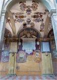Μπολόνια - Porcicos και αίθριο από την είσοδο στο εξωτερικό αίθριο Archiginnasio Στοκ Εικόνες