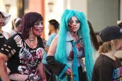 Μπρίσμπαν, Queensland, Αυστραλία - 5 Οκτωβρίου 2014: Ετήσιος περίπατος ιδρύματος εγκεφάλου zombie στις 5 Οκτωβρίου 2014 στο West  Στοκ Φωτογραφίες
