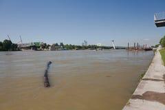 Μπρατισλάβα, Σλοβακία, 7η Το Μάιο του 2015: Οικοδόμηση της νέας γέφυρας πέ στοκ φωτογραφίες με δικαίωμα ελεύθερης χρήσης