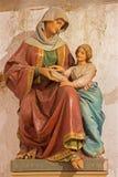 Μπρατισλάβα - άγαλμα του ST Ann από Ludovit Staudinger στο γοτθικό δευτερεύον παρεκκλησι φ ST Ann από. το σεντ 19. στον καθεδρικό  Στοκ φωτογραφίες με δικαίωμα ελεύθερης χρήσης