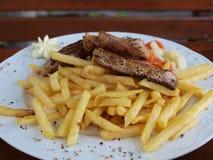 μπριζόλα πατατών βόειου κρέ στοκ εικόνες με δικαίωμα ελεύθερης χρήσης