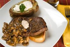 μπριζόλα πατατών γευμάτων Στοκ φωτογραφίες με δικαίωμα ελεύθερης χρήσης