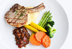 μπριζόλα χοιρινού κρέατος μπριζολών Στοκ φωτογραφία με δικαίωμα ελεύθερης χρήσης
