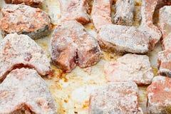 Μπριζόλες ψαριών που καλύπτονται με crumbs αλευριού και ψωμιού σίτου Στοκ φωτογραφία με δικαίωμα ελεύθερης χρήσης