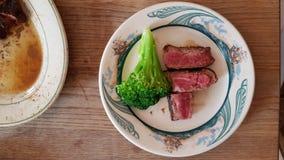 μπριζόλα και μπρόκολο Στοκ Φωτογραφία
