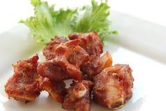 Μπριζόλα που τηγανίζεται με το σκόρδο Στοκ εικόνες με δικαίωμα ελεύθερης χρήσης