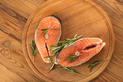 Μπριζόλες του κόκκινου σολομού ψαριών Στοκ φωτογραφία με δικαίωμα ελεύθερης χρήσης