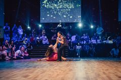 Μπρνο, Δημοκρατία της Τσεχίας - 30 Σεπτεμβρίου 2017: Ο βραζιλιάνος χορός παρουσιάζει από τους ταλαντούχους χορευτές Στοκ εικόνα με δικαίωμα ελεύθερης χρήσης
