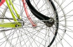 Μπροστινή άποψη της ρόδας τριών ποδηλάτων που κρύβει η μια την άλλη που απομονώνεται στο μόριο Στοκ φωτογραφία με δικαίωμα ελεύθερης χρήσης
