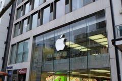 Μπροστινή άποψη της Apple Store στη Φρανκφούρτη στοκ φωτογραφίες με δικαίωμα ελεύθερης χρήσης