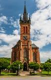 Μπροστινή άποψη του καθεδρικού ναού σε Vrchlabi, Τσεχία Στοκ Εικόνες