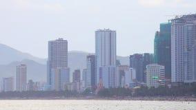 Μπροστινή Θάλασσα της Νότιας Κίνας HD παραλιών εικονικής παράστασης πόλης Trang Nha απόθεμα βίντεο