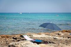 μπροστινή ομπρέλα θαλάσση&si Στοκ Εικόνα