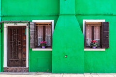 Μπροστινή πόρτα στο νησί Burano, Βενετία Στοκ Εικόνες