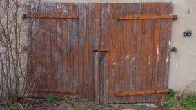 Μπροστινή πόρτα του παλαιού κτηρίου Στοκ Εικόνες