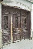 μπροστινός παλαιός πορτών στοκ φωτογραφία με δικαίωμα ελεύθερης χρήσης